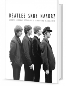 1250-beatles-skrz-naskrz-unikatni-fotografie-z-archivu-the-beatles-book-1
